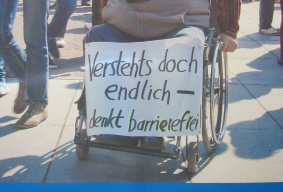 """Plakat """"Verstehts doch endlich - denkt barrierefrei"""